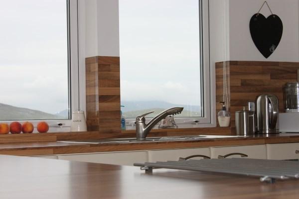 stauraum elektroger te arbeitsh he diese faktoren sind bei der k chenplanung entscheidend. Black Bedroom Furniture Sets. Home Design Ideas